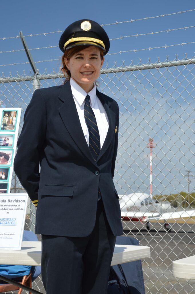 Louisa King flies Boeing 737 charter for Miami Air International